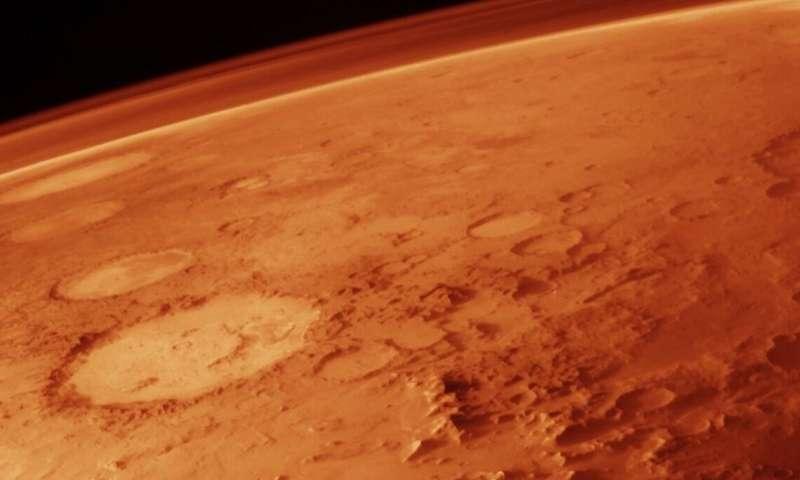Под повърхността на Марс бе открита цяла система от солени езера
