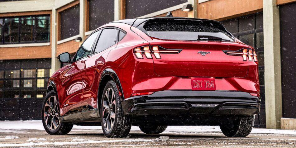 Ford намали цените на електрическия кросоувър Mustang Mach-E
