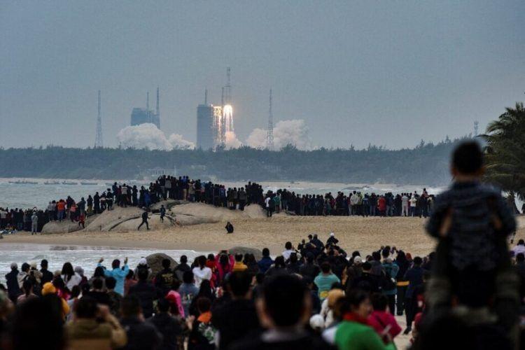 Китай успешно изстреля първата версия на своята ракета за многократно използване Чанчжен-8