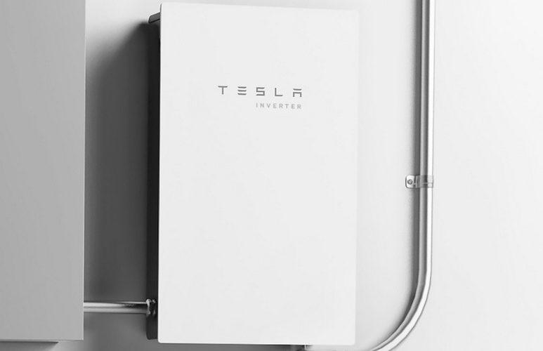 Tesla представи нов инвертор за слънчеви панели