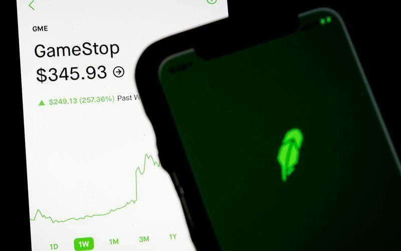 Robinhood премахна всички ограничения за закупуване акциите на GameStop и другите подобни компании