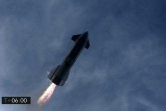 SpaceX успешно приземи Starship, но прототипът се взриви след кацането