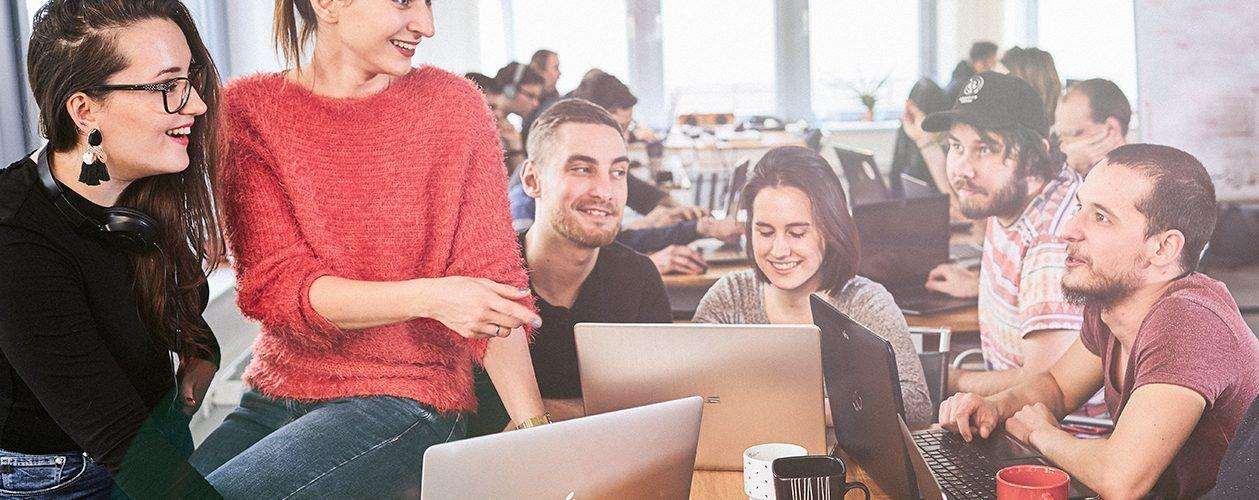 Водещото IT училище Codecool планира кампус в България, където всеки 6-и човек работи в ИКТ сектора
