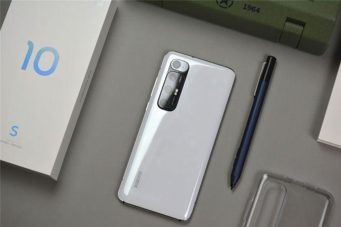 Xiaomi Mi 10S: смартфон с много добър звук и висока производителност