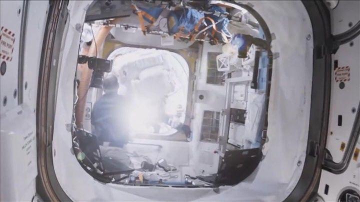 Няма как да се спре изтичането на въздух от МКС