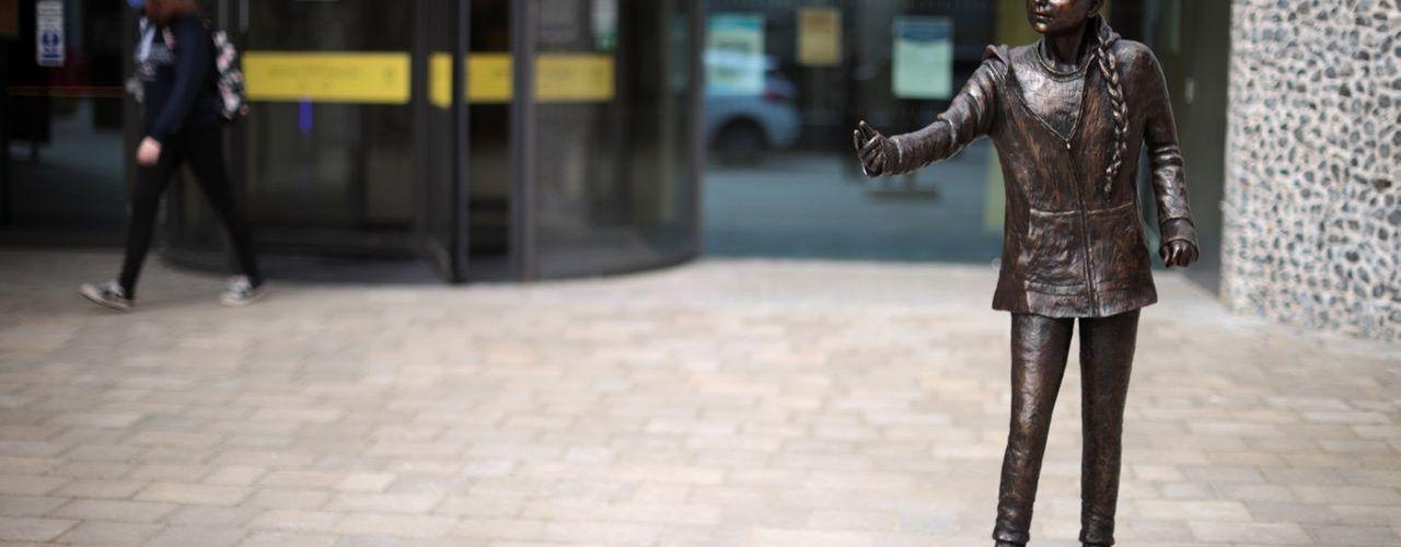 Паметник на Грета Тунберг ще бъде издигнат в университет във Великобритания