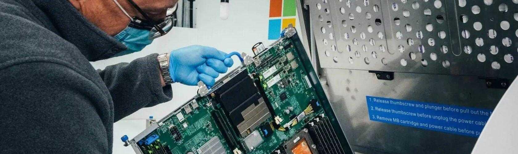 Microsoft ще потапя своите сървъри в специална течност, за да повиши тяхната производителност