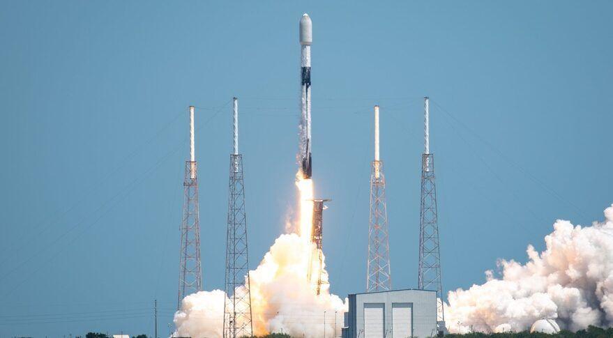 SpaceX изведе още 60 Starlink сателита и успешно приземи първата степен на ракетата