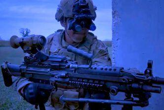 Новите нощни очила на американската армия разкриват съвременното лице на военното дело