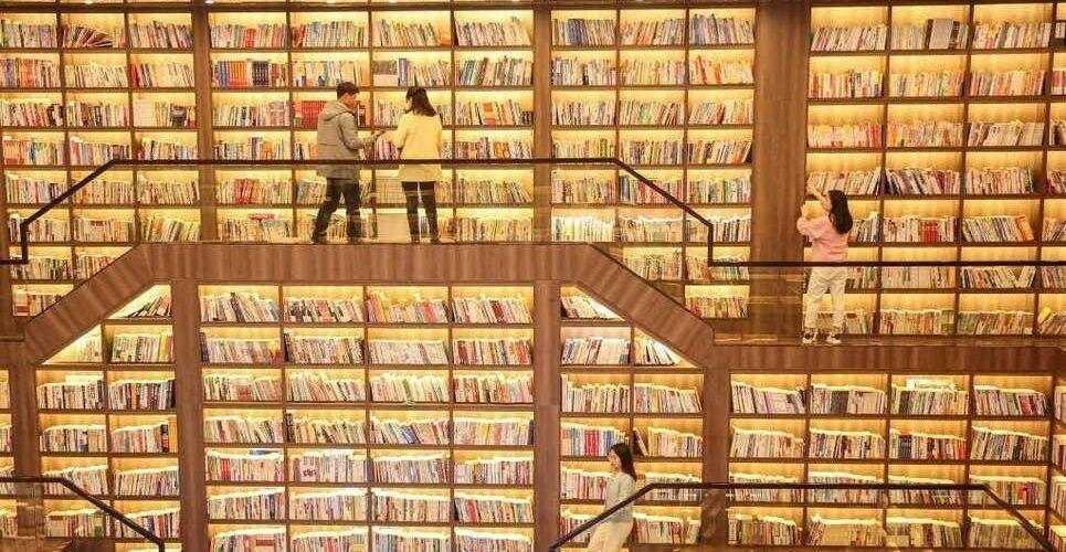 Физическите копия на книги все още са по-популярни от електронните заглавия