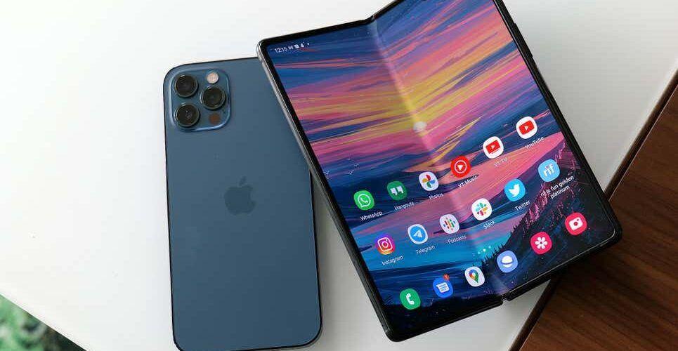Слух: дългоочакваният сгъваем iPhone може да излезе през 2023