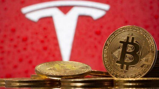 Tesla временно се отказа да приема биткойни и това срина курса на основната криптовалута