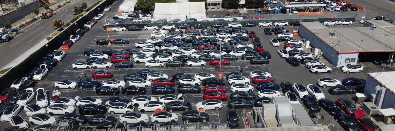 Tesla се затруднява да достави около 10 хиляди електромобила на своите купувачи