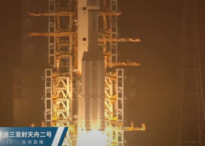 Китай изстреля товарния космически кораб Тянчжоу-2 - първият полет до новата орбитална станция