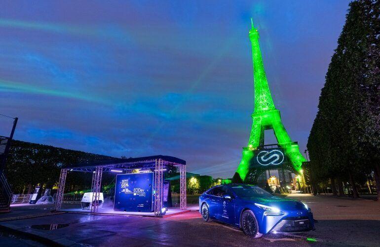 Серийно произвежданият водороден автомобил Toyota Mirai постави световен рекорд за пробег с едно зареждане