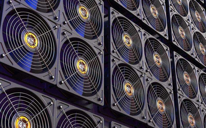 """Осъществяващата """"зелен"""" добив на криптовалута компания Gryphon Digital Mining излиза на борсата"""