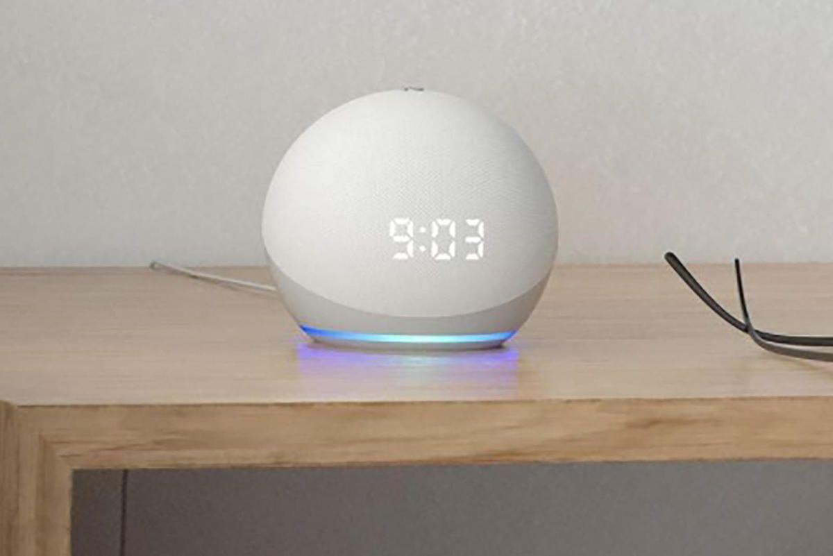 echo-dot-with-clock.jpg