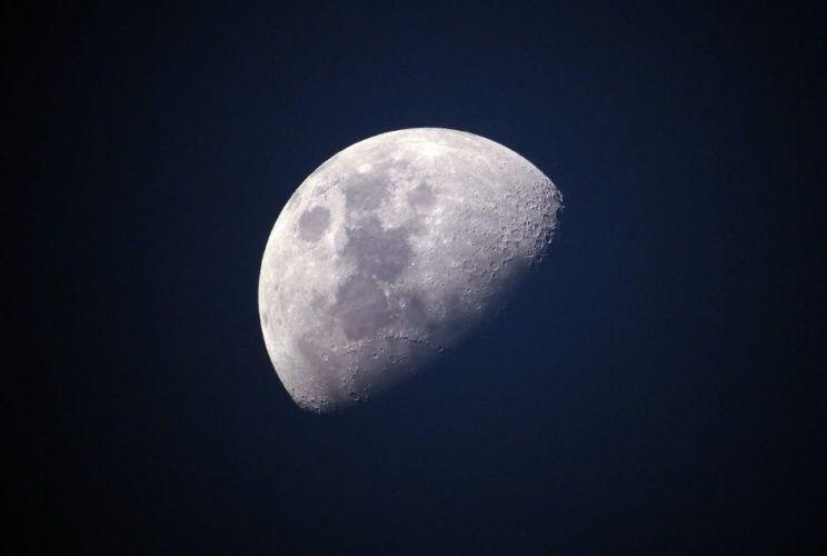 Изкуствен интелект ще определя местата за изграждане на бъдещите лунни колонии
