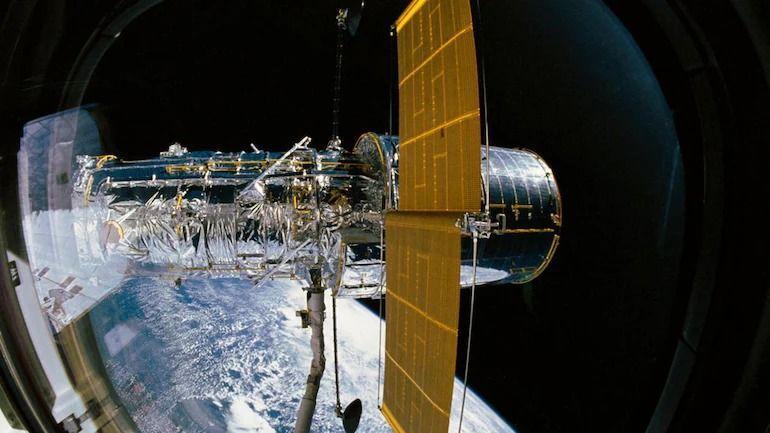 Космическият телескоп Хъбъл се завърна към редовна научна работа
