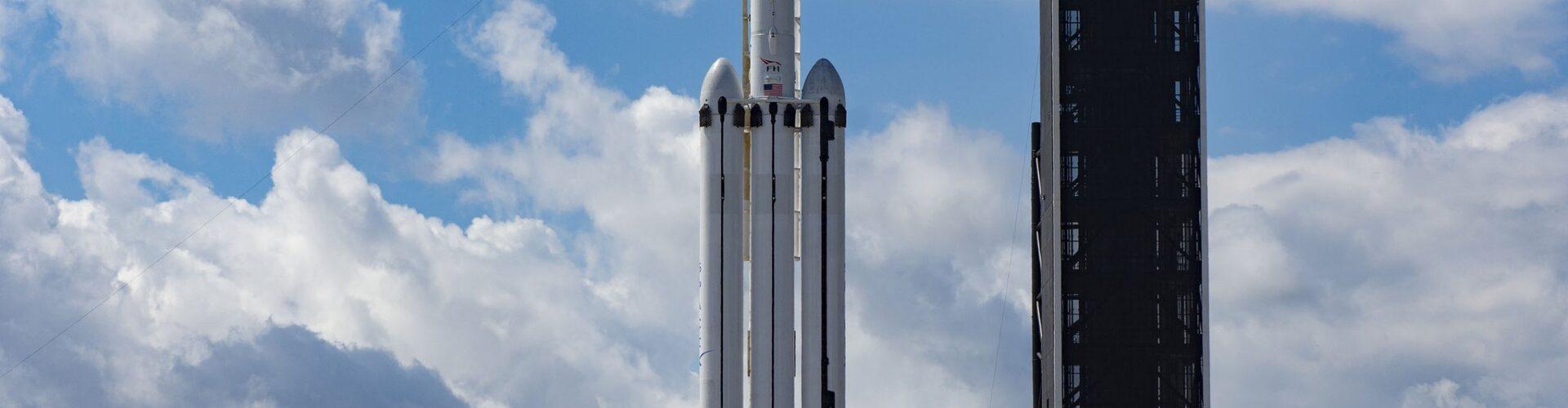 НАСА вече подготвя ракетата SpaceX Falcon Heavy, за да стартира мисията до Юпитер