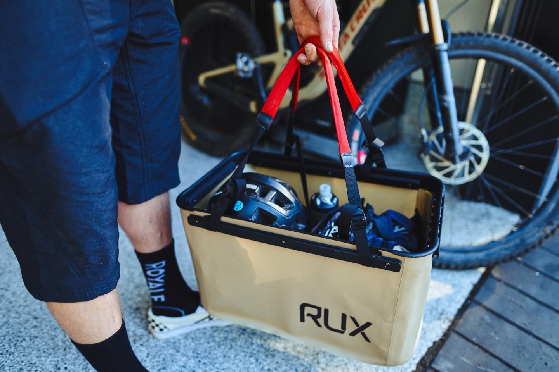 Rux предвижда кутиите му да са удобни за къмпинг и всички видове развлечения на открито