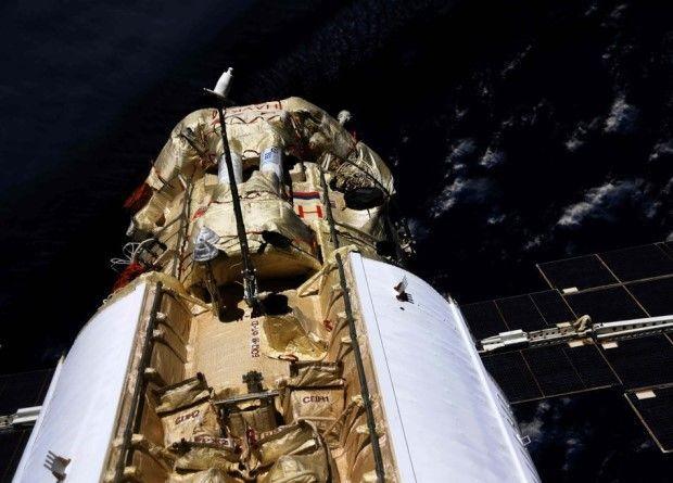 Руският модул Наука неочаквано и спонтанно включи двигателите и завъртя МКС