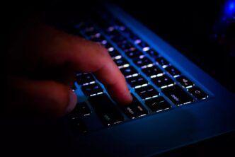 Хакери се извиниха - търсели единствено финансова изгода