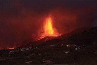 Изригването на вулкана Ла Палма е заснето от космоса