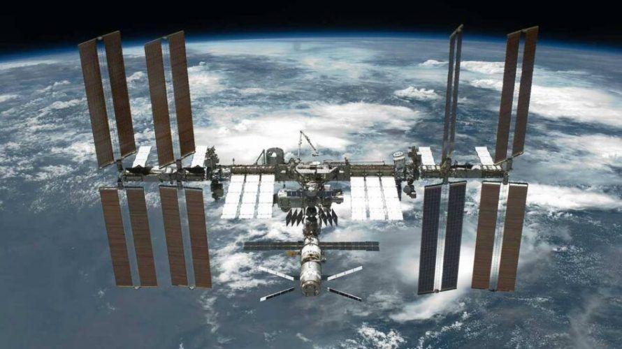 МКС e коригирала своята орбита, за да избегне удар от космически отломки