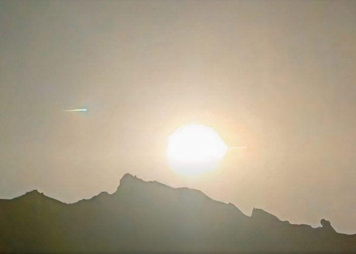 Огнена топка освети небето над Южен Китай - метеор болид или НЛО?