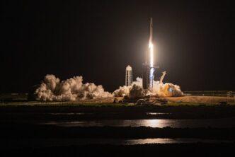 SpaceX успешно изведе в орбита Crew Dragon с екипаж от непрофесионални астронавти