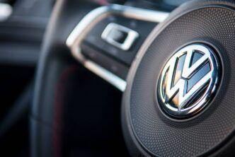 Volkswagen ще разработва своя технология за автономните си коли
